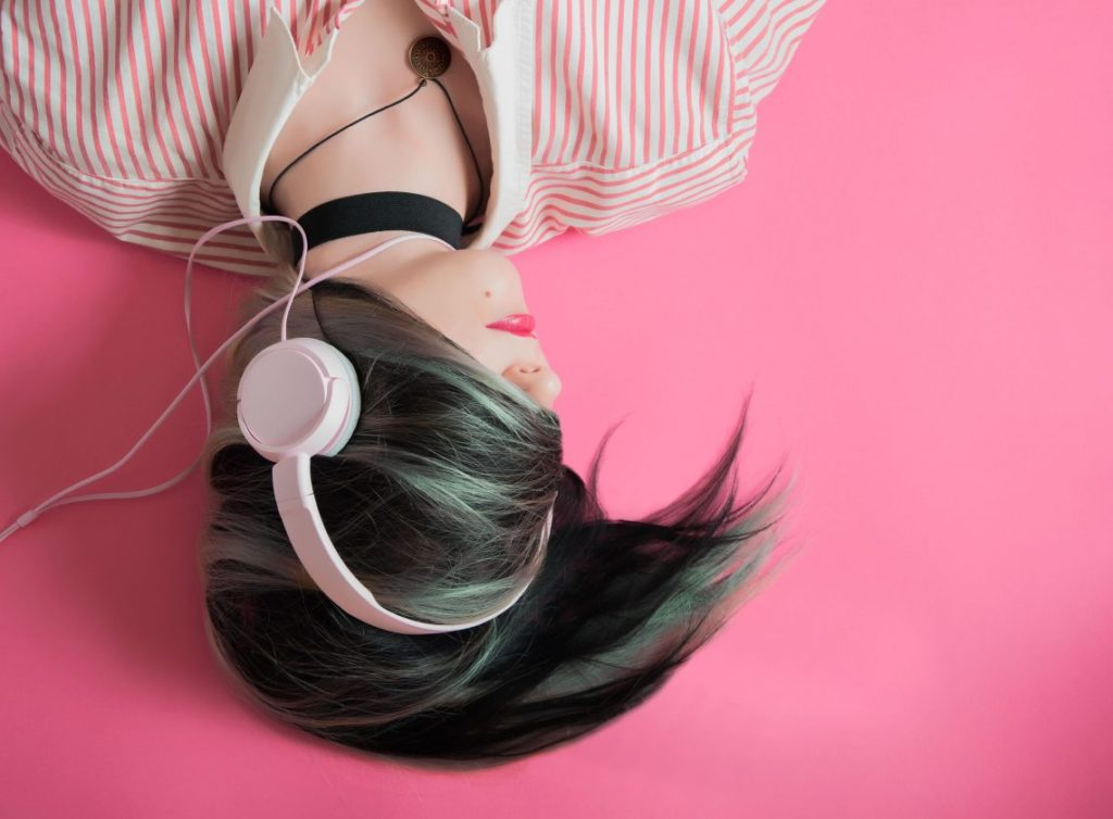 USING MUSIC TO BEAT STRESS, ANXIETY, & DEPRESSION