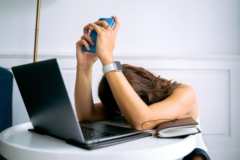 woman burnout at work, Burnout Counseling, Ft. Lauderdale, FL