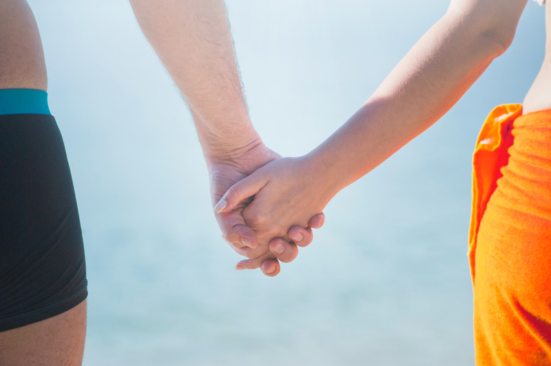 holding hands, Dating Anxiety & Casual Dating, Ft. Lauderdale, FL